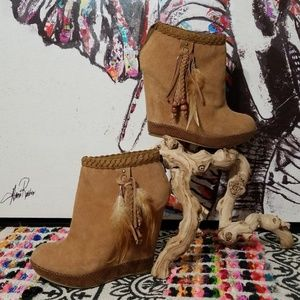CHINESE LAUNDRY LEATHER SUEDE WEDGE BOOTIES!